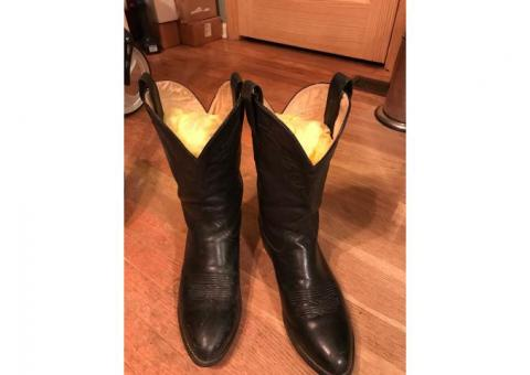 LEATHER COWBOY BOOTS!!